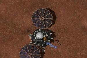 Ảnh 'tự sướng' tàu vũ trụ NASA gửi về sau '7 phút kinh hoàng' đáp xuống sao Hỏa