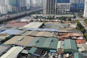 Hà Nội: Sau đám cháy lớn, lộ nhiều bãi xe, quán xá 'mọc' la liệt trên khu đất vàng