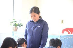 Cô giáo tát học sinh 231 cái nhập viện bất thường, nghi tự vẫn