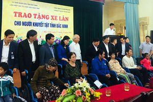 Trao tặng 238 xe lăn cho người khuyết tật trên địa bàn tỉnh Bắc Ninh