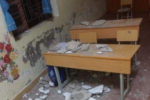 Hải Phòng: 3 học sinh nhập viện do trần nhà bất ngờ sập