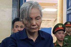Người phụ nữ quyền lực một thời của DAB tóc bạc phơ tại tòa