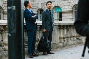 Đàn ông nghiện mua sắm và thích sống ảo trên mạng xã hội hơn phụ nữ