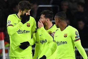 Messi thừa nhận đường kiến tạo cho Pique là pha đá phạt lỗi