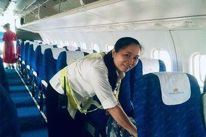 Nhân viên vệ sinh trả lại gần 130 triệu đồng khách để quên trên tàu bay