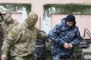 Truy bắt tàu chiến ở Biển Đen: Báo Ukraine nói Nga 'ép cung' các thủy thủ