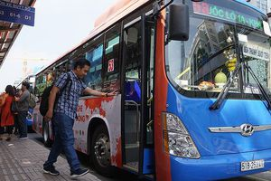 Xe buýt màu cam 'bít cửa' nạn quấy rối tình dục tại TP HCM