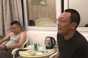 MC Lại Văn Sâm khoe khả năng hát chèo lúc nửa đêm