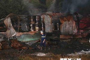 Cơ bản khống chế vụ cháy kho sơn tại Khu Công nghiệp Hòa Cầm