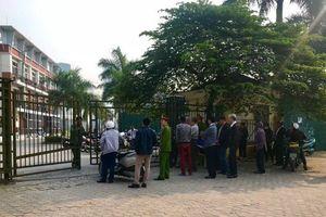 AFF Cup: An ninh thắt chặt trước cổng VFF sau ngày đầu 'vỡ trận' bán vé online
