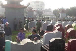 Hưng Yên: Truy tìm kẻ gian đập vỡ bát hương cả trăm ngôi mộ trong đêm