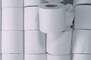 Cụ ông Nhật Bản bị phạt nặng vì lấy trộm 1 cuộn giấy vệ sinh