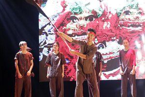 Amser kết hợp võ thuật và vũ đạo lạ mắt, tri ân những người lính Việt xưa