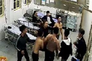 Hà Nam: Truy tìm nhóm côn đồ xông vào khoa cấp cứu truy sát người dân