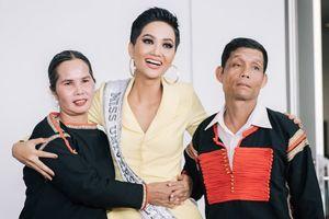 H'Hen Niê lên đường sang Thái Lan chinh chiến Hoa hậu Hoàn vũ 2018
