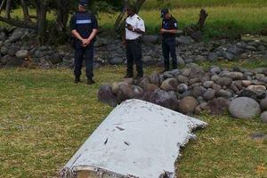 Tìm thấy 5 mảnh vỡ mới nghi của máy bay MH370