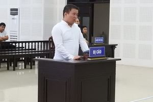 Trộm mỹ phẩm ở sân bay Đà Nẵng, hướng dẫn viên người Trung Quốc lãnh án 9 tháng tù