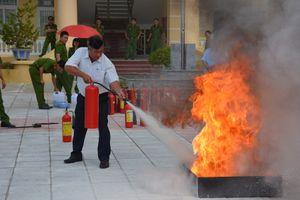 Công an huyện Sơn Tịnh tập huấn phòng cháy chữa cháy, cứu nạn cứu hộ