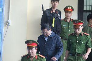 Cựu trung tướng Phan Văn Vĩnh vắng mặt trước giờ lãnh án