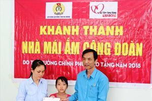 LĐLĐ tỉnh Hải Dương trao hỗ trợ 'Mái ấm công đoàn' do Thủ tướng tặng CNLĐ