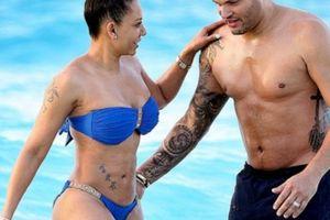Sốc với tiết lộ bí mật tình dục của vợ chồng nữ giám khảo 'The X Factor'