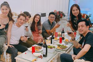 Dương Khắc Linh và người yêu kém 15 tuổi đi ăn sinh nhật Đăng Khôi