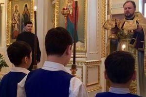 Hiếp dâm trẻ em 46 lần, linh mục Nga lãnh án 17 năm tù