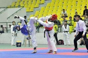 Những tấm HCV đầu tiên môn karatedo