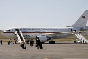 Đức bác nghi ngờ có hành vi tội phạm trong sự cố máy bay chở Thủ tướng Merkel