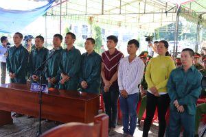Thêm 9 bị cáo trong vụ đốt phá ở Bình Thuận lãnh án