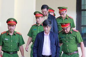 Cựu trung tướng Phan Văn Vĩnh xin tuyên án vắng mặt