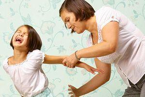 Đánh đòn, sỉ nhục làm ảnh hưởng đến não của trẻ