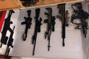 Phát hiện 'kho vũ khí' từ vụ mua bán súng quân dụng trái phép