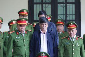 Cựu tướng Nguyễn Thanh Hóa nộp tiền thay C50