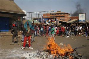 Hàng nghìn người biểu tình phản đối chính phủ Zimbabwe