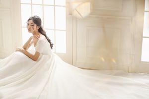 Hé lộ váy cưới lộng lẫy của á hậu Thanh Tú trong đám cưới