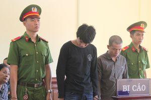 Hai nam thanh niên lãnh án tù vì yêu bé gái 12 tuổi