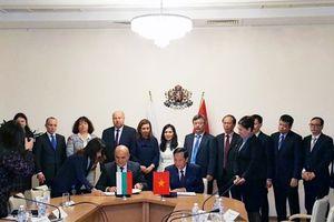 Khai mở hợp tác lao động giữa Việt Nam với Bulgaria