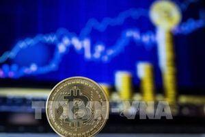 Bitcoin tiếp tục 'tuột dốc'