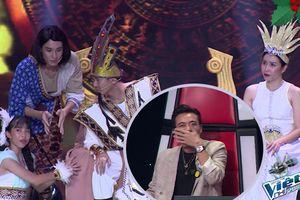 Khoảnh khắc Soobin 'cười rụng rốn' khi thưởng thức minishow team nhà Giang - Hồ