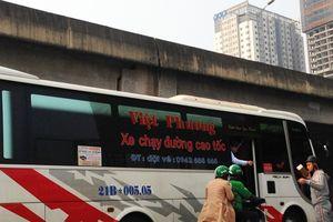 Hà Nội: Xe 'dù', bến 'cóc' hoạt động mạnh dịp cuối năm
