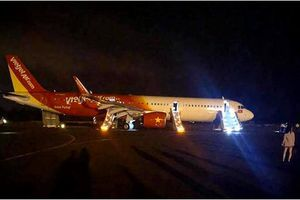 Máy bay Vietjet Air gặp sự cố, hành khách hoảng hốt thoát hiểm bằng phao trượt