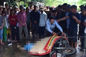 Người đi đường tử vong vì bị dây điện rơi trúng