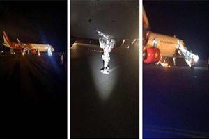 Máy bay Vietjet 'tiếp đất' bằng cánh, hành khách hoảng loạn