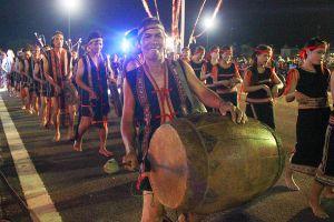 Hơn 1.000 nghệ nhân tham gia Lễ hội cồng chiêng đường phố Tây Nguyên