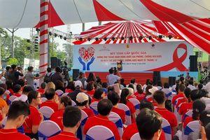 Tâm sự cộng đồng nhiễm HIV/AIDS: 'Đau đến thắt lòng'