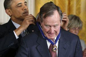 Những khoảnh khắc đáng nhớ của cố Tổng thống George H.W.Bush qua ảnh