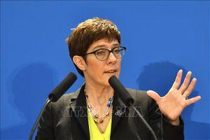 Giới chức Đức cảnh báo các hãng xe danh tiếng về thuế quan của EU với Mỹ