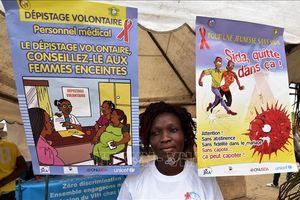 'Hãy biết tình trạng nhiễm của mình' - chìa khóa để xóa bỏ dịch HIV/AIDS