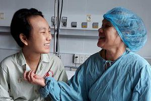 Trái tim của thanh niên chết não đập kỳ diệu trong ngực cậu bé 15 tuổi